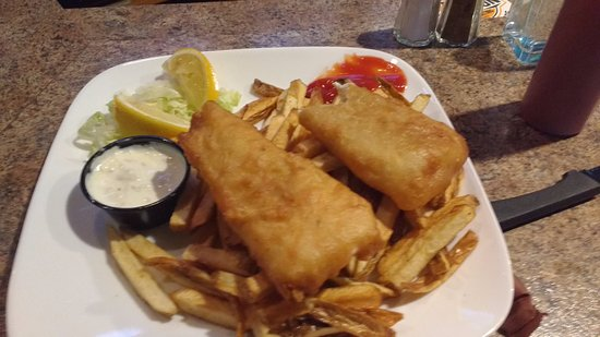 Salmon Arm, Canadá: perfectly formed fish triangles dripping in Grease!! Where is the coleslaw?