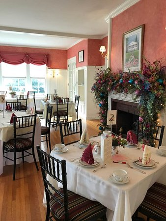 Berryville, VA: Setting for January 2017 Afternoon Tea