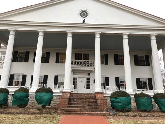 Berryville, VA: Grand Portico of Rosemont Manor
