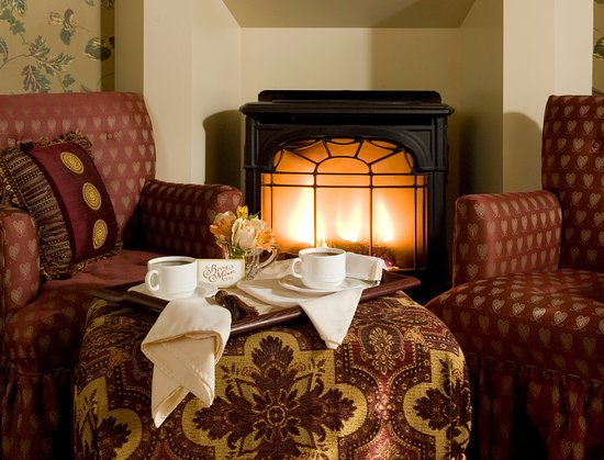 Berry Manor Inn: Romantic rooms and suites!