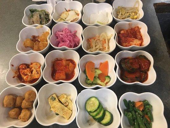 Jong Ga House: Banchan