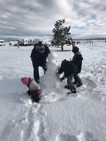 Mormon Lake Lodge and Campground: Plenty of soft snow in the RV park to build snowmen! (MLK weekend 2017)