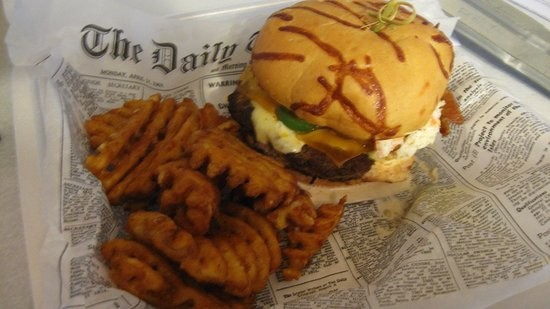 Wadena, MN: Firehouse Burger