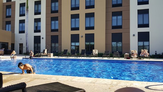 Hilton Garden Inn Liberia Airport: The pool was a great place to hang out for the afternoon.  Love it!