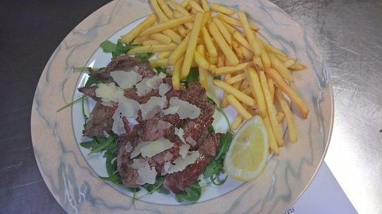 Cermes, Italia: tipico piatti