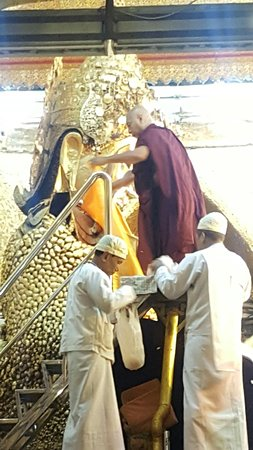 Mahamuni-Pagode: พิธีล้างพระพักตร์พระมหามัยมุนี #1
