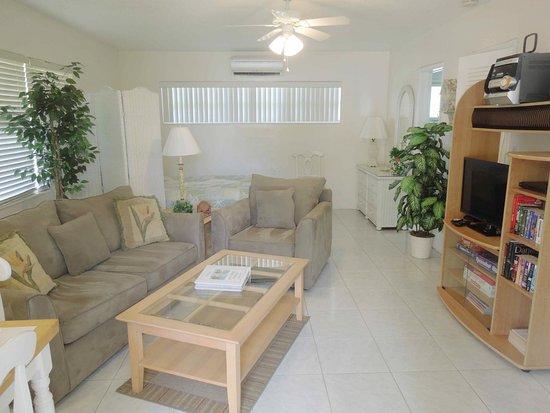 Bahama Beach Club Apartments: Studio apartment