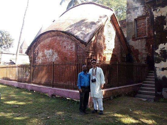 Rajshahi City, Bangladesch: Bara Ahnik Mandir