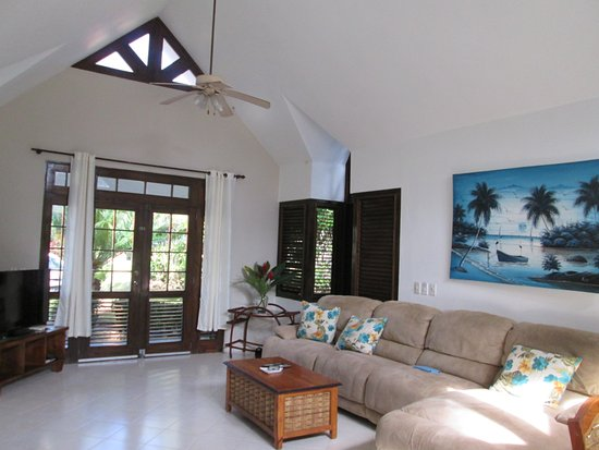 Residencial Casa Linda: Living Room In Villa