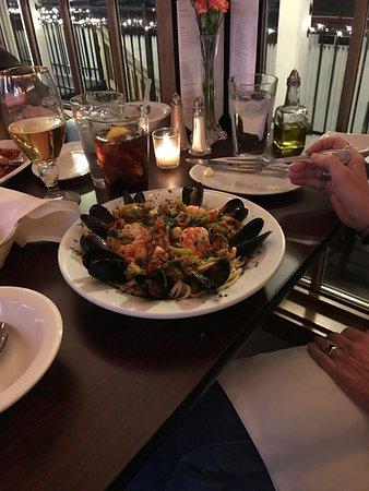 Saugerties, Estado de Nueva York: The dish from tonight. Lovely!