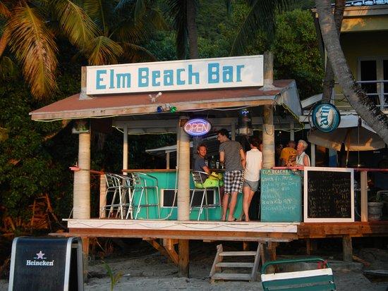 Elm Beach Suites: The Beach Bar