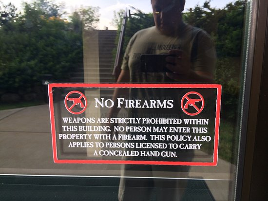 Great Wolf Lodge: no firearms policy