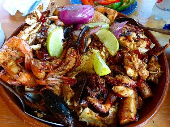 La Panza es Primero: Fish platter