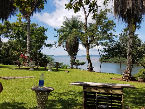 Boca Chica, Panama : Reel Inn Grounds and view