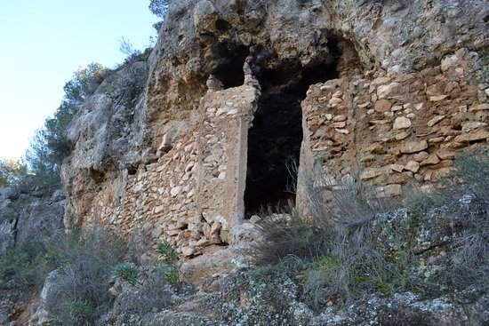 Gebas, Ισπανία: This hole in the mountain was once used as the town fridge for El Barro