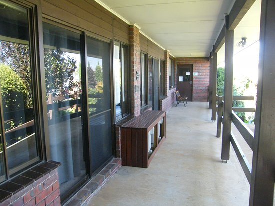 Hamilton, Australien: Front Verandah a place for smokers
