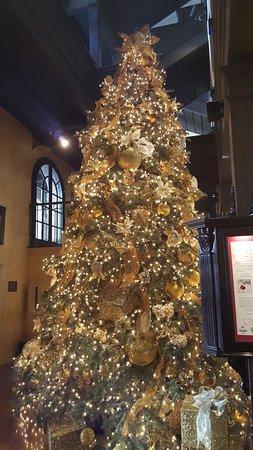 the mission inn hotel and spa lobby christmas tree - Mission Inn Christmas