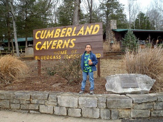 McMinnville, TN: Cumberland Caverns - sign & plaque