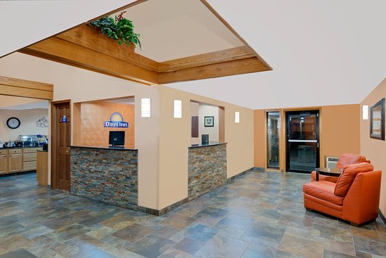 Fort Dodge, IA : Nice big lobby,connected to breakfast area