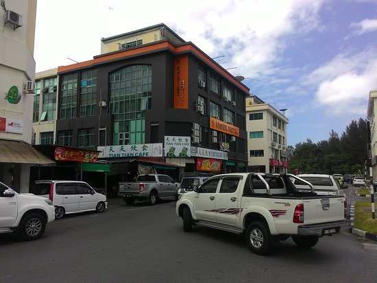 M Empire Motel