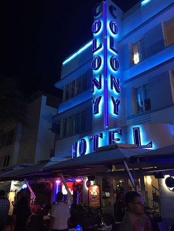 콜로니 호텔 이미지