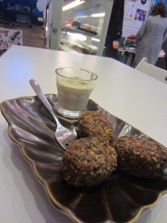 Maya Cafe Mediterranean Lifestyle: falafel with sauce