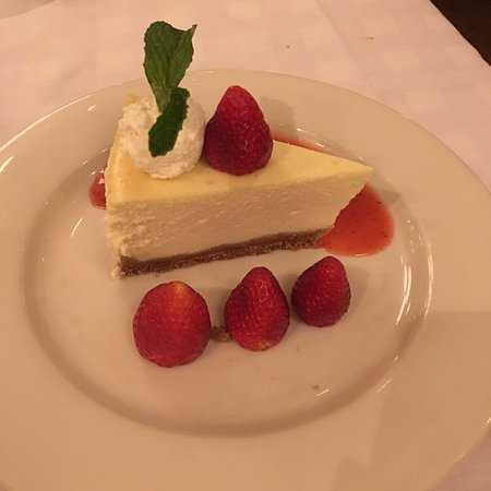 Maggiano's Little Italy: New York Style Cheesecake