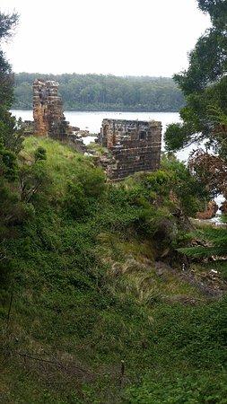 Strahan, Austrália: Part of the old lockup on Sarah Island