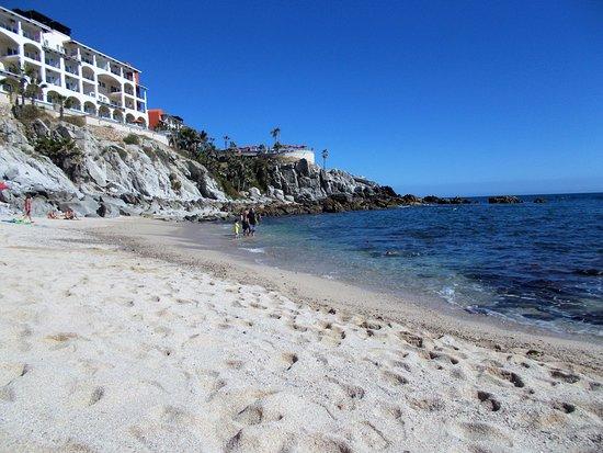 Sunrock Hotel & Residences: beach by the hotel