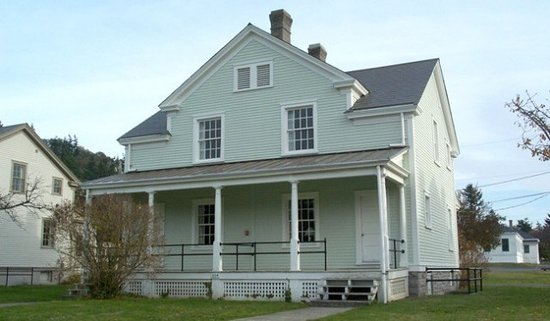 Fort Worden State Park: Some of the housing options at Fort Worden