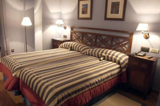 Viana, Spagna: Nice rooms!