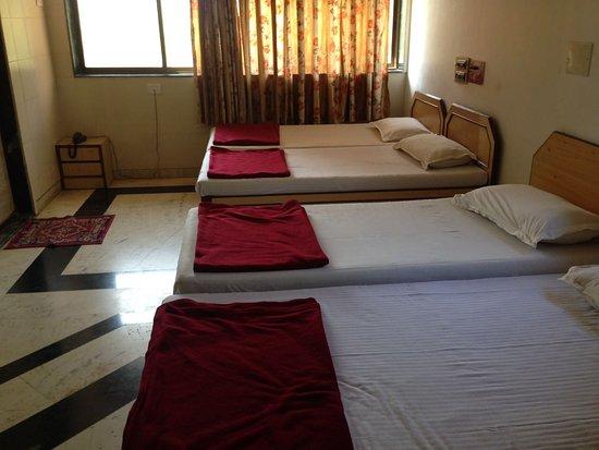 Kuber's Kamath Residency: Five Bedded Family Room on Upper Floor