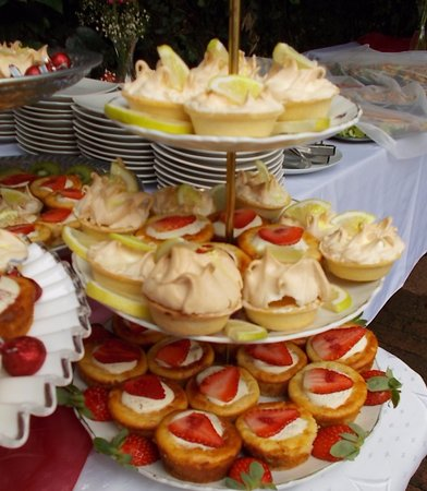 Benoni, Afrika Selatan: Lemon Meringues and Strawberry Cheescake