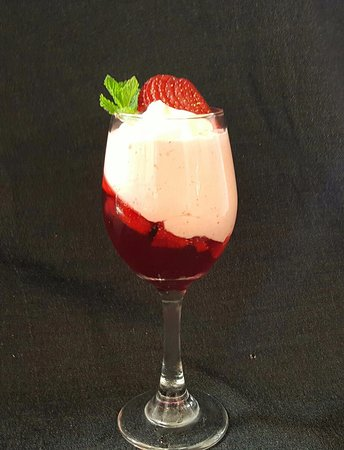 Westport, New Zealand: Strawberry Mousse with Strawberry Liqueur and Fresh fruit Jelly
