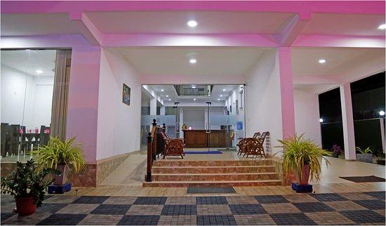 Interior - Picture of Ronaka Hotel, Katunayaka - Tripadvisor