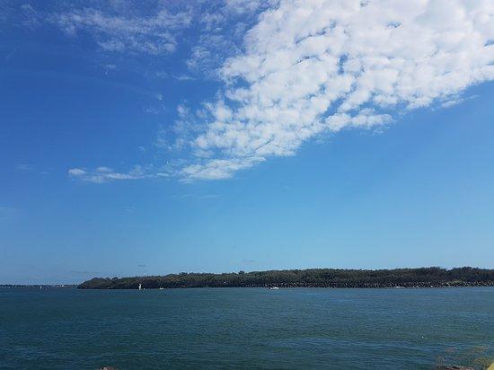 Main Beach, Australia: 20170101_075523_large.jpg