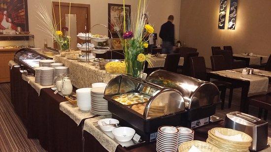 Most, Tsjekkia: breakfast