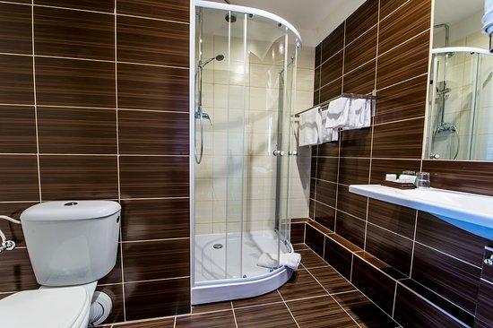 Most, República Checa: twin or single room - bathroom