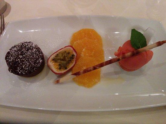 Schwanen Hotel: Schoko-Souffle mit Orangen