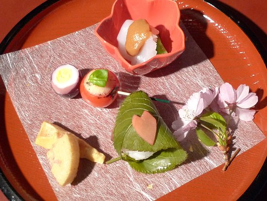 Widen, Swiss: amuse bouche Kirschblütenzeit
