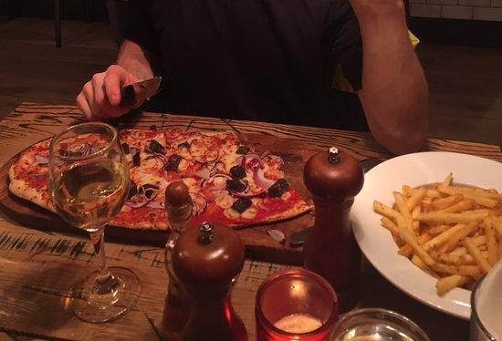 Pizzariach: Pizza & Fries