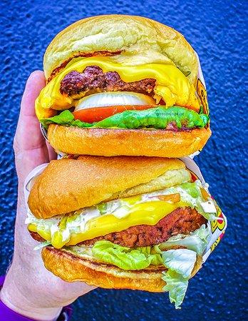 Brookvale, Australia: Originals Burger and Chilli Burger