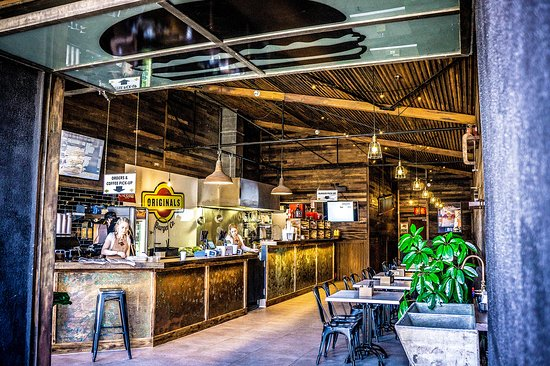 Brookvale, Australia: Originals Burger Co Venue