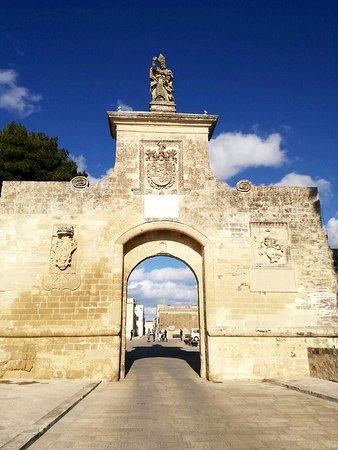Vernole, Ιταλία: Porta d'ingresso_large.jpg
