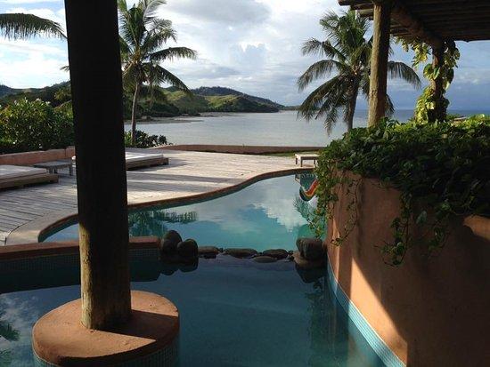 Musket Cove Island Resort: Pool and view Villa Malolo