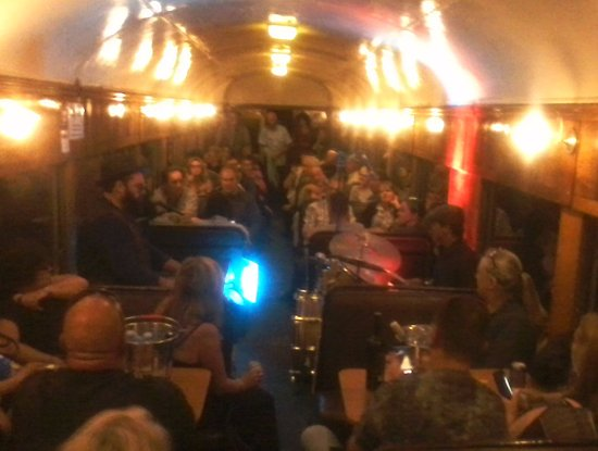 Queenscliff, Australia: Pugsley Buzzard delighting the crowd