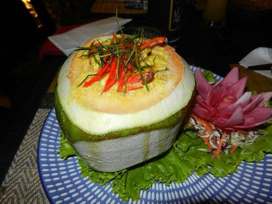 Sawasdee Restaurant: Kokosnuß mit ??