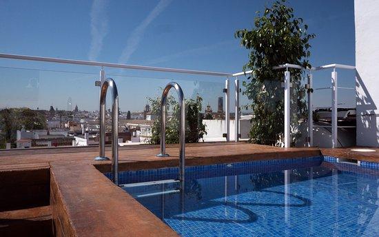 Hotel plaza santa lucia sevilla opiniones comparaci n for Suites sevilla plaza