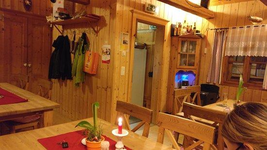 Grundlsee, Austria: Innenraum des kleinen Fischkalters