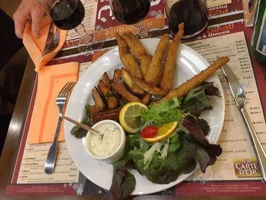 Morlaix, France: Fish and chips avec frites
